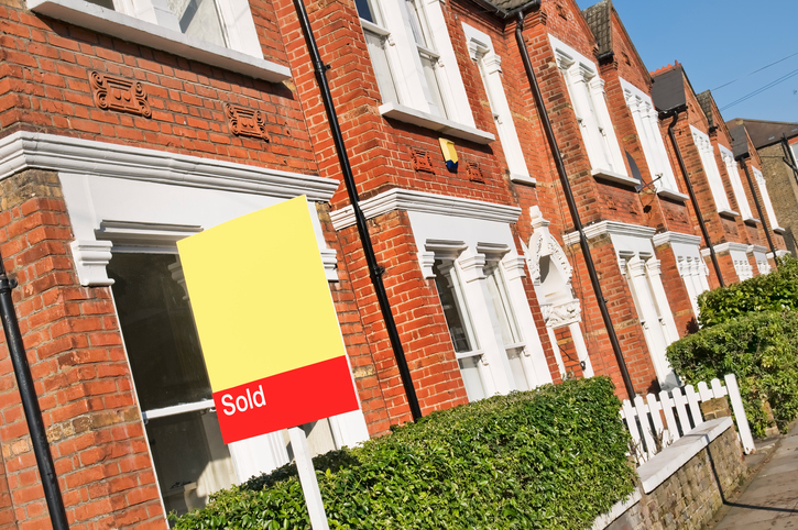 Study shows widespread financial distress and risk of insolvency among estate agents