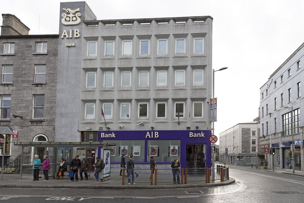 Economic Crisis Hit Irish Banks